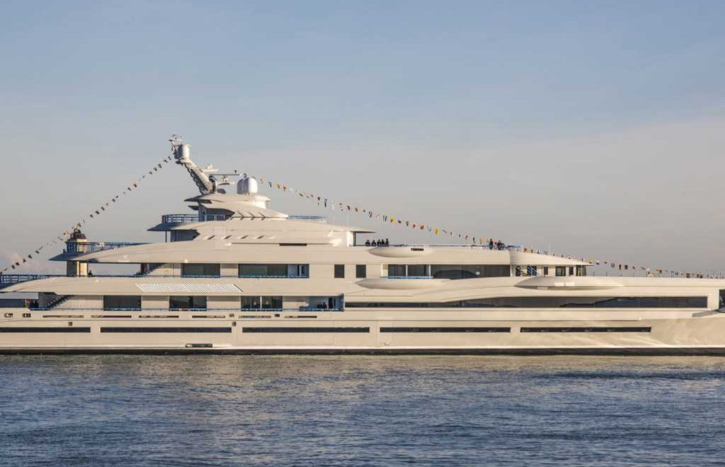 Discover The Largest Superyacht Ever by Benetti