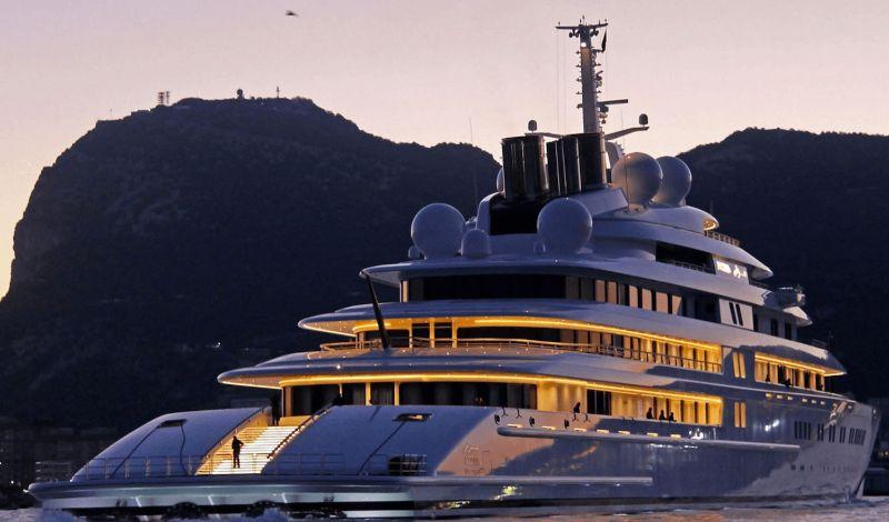 10 Unique Superyachts, 10 Symbols Of Luxury superyachts 10 Unique Superyachts, 10 Symbols Of Luxury Azzam1yacht