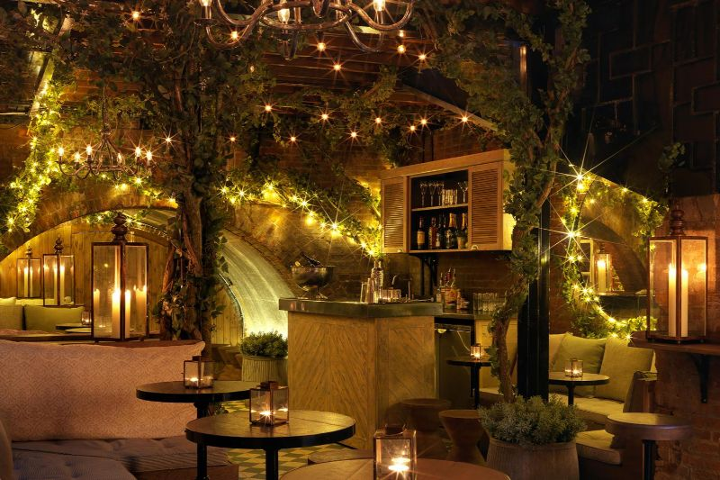 Have a Toast At One of These London's Cocktail Bars! cocktail bars Have a Toast At One of These London's Cocktail Bars! The Bloomsbury Club Bar Bloomsbury 1