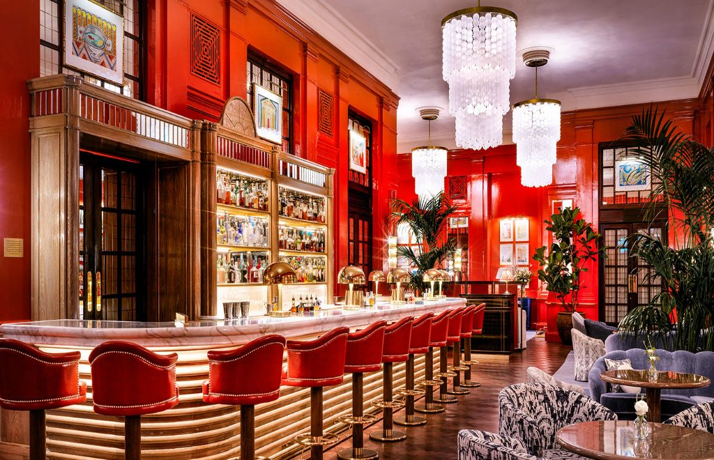 Have a Toast At One of These London's Cocktail Bars!