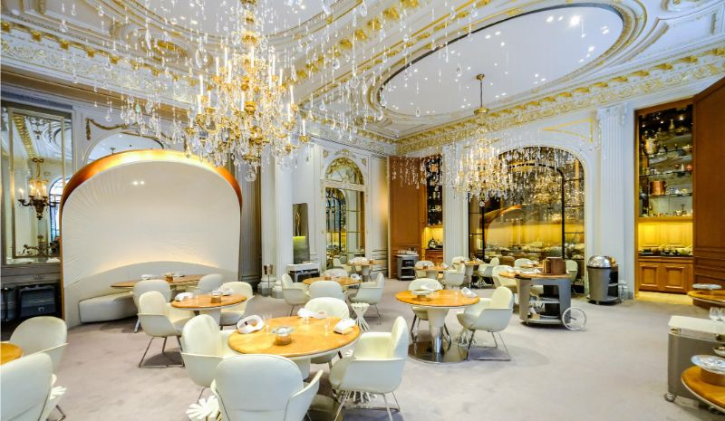 Where To Eat In Paris: 10 Luxury Restaurants In The City Of Lights luxury restaurants Where To Eat In Paris: 10 Luxury Restaurants In The City Of Lights Alain Ducasse au Plaza Athenee