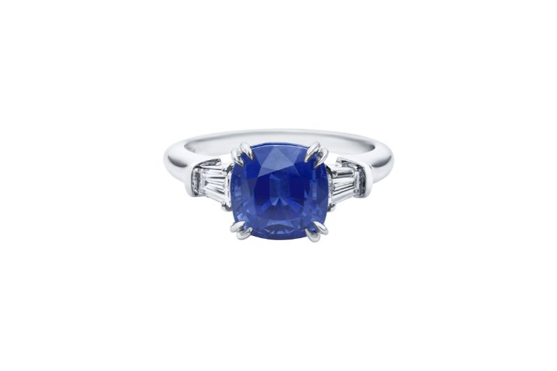 Classic Blue Brings A Sense Of Luxury To These Unique Jewerly Pieces classic blue Classic Blue Brings A Sense Of Luxury To These Unique Jewerly Pieces Cushion Cut Sapphire Ring Harry Winston