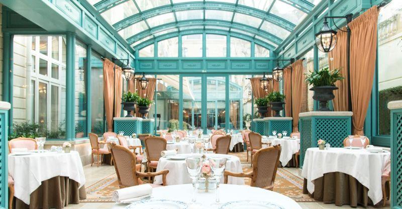 Where To Eat In Paris: 10 Luxury Restaurants In The City Of Lights luxury restaurants Where To Eat In Paris: 10 Luxury Restaurants In The City Of Lights L   ESPADON