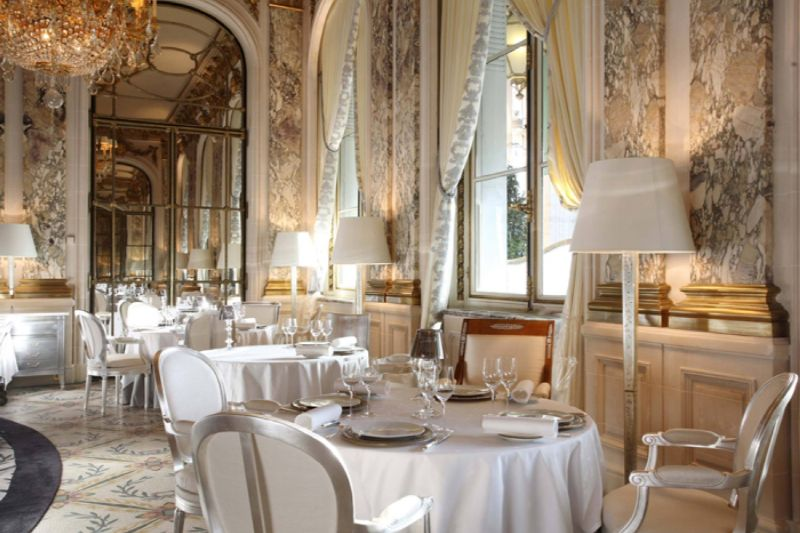 Where To Eat In Paris: 10 Luxury Restaurants In The City Of Lights luxury restaurants Where To Eat In Paris: 10 Luxury Restaurants In The City Of Lights Le Meurice