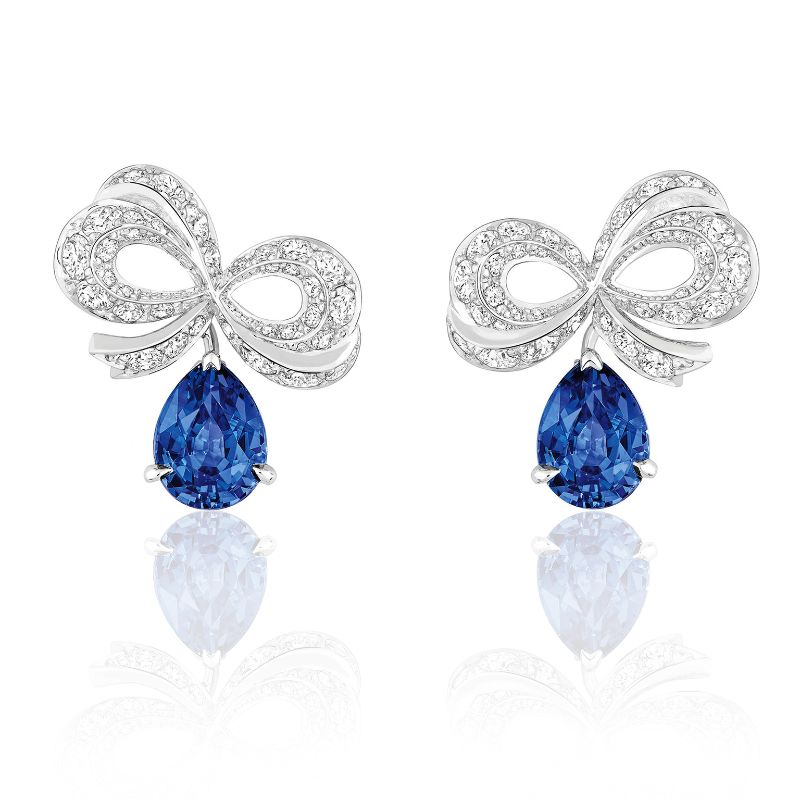 Classic Blue Brings A Sense Of Luxury To These Unique Jewerly Pieces classic blue Classic Blue Brings A Sense Of Luxury To These Unique Jewerly Pieces Milieu du Siecle Diamant sapphire and diamond earrings dior