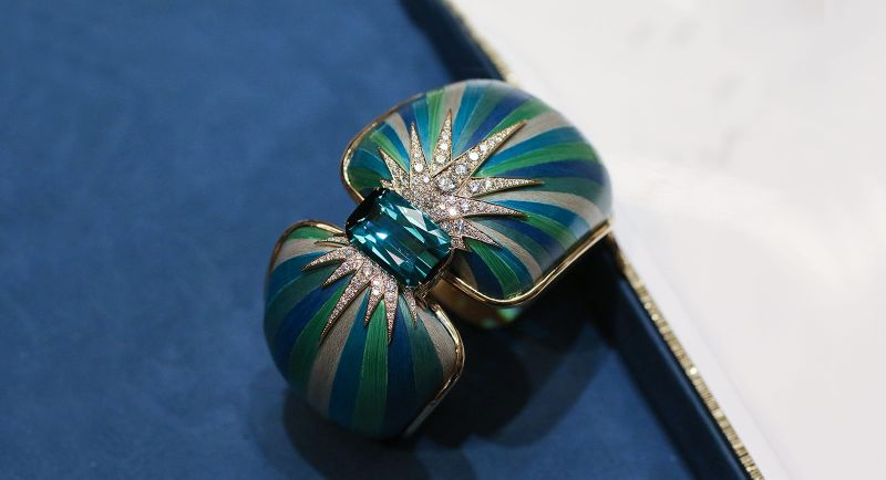 Innovative Artful Concepts: Here Are The Best Jewelry Pieces Of 2019 best jewelry pieces Innovative Artful Concepts: Here Are The Best Jewelry Pieces Of 2019 Piaget   s Green Aurora cuff 1