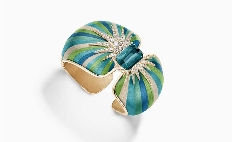 Innovative Artful Concepts: Here Are The Best Jewelry Pieces Of 2019 best jewelry pieces Innovative Artful Concepts: Here Are The Best Jewelry Pieces Of 2019 Piaget   s Green Aurora cuff
