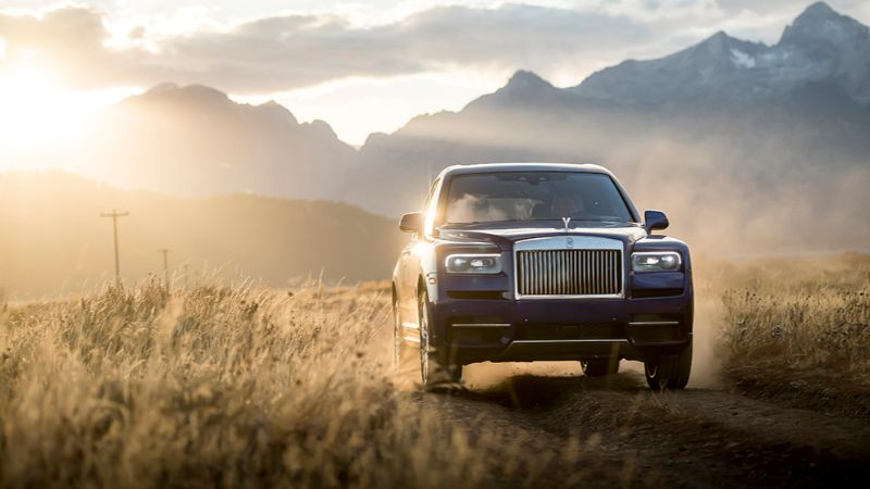 Powerful And Elegant - Discover The Best Supercars Of The Year 2019 supercars Powerful And Elegant – Discover The Best Supercars Of The Year 2019 Rolls Royce Cullinan 2