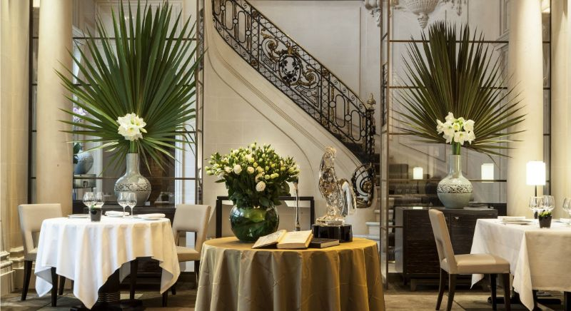 Where To Eat In Paris: 10 Luxury Restaurants In The City Of Lights luxury restaurants Where To Eat In Paris: 10 Luxury Restaurants In The City Of Lights TAILLEVENT