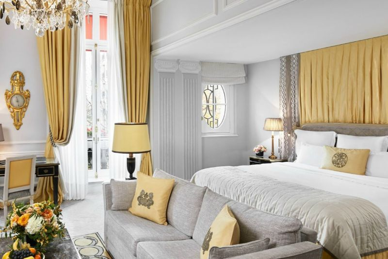 Where To Stay During Maison et Objet 2020: 10 Luxury Hotels In Paris luxury hotels Where To Stay During Maison et Objet 2020: 10 Luxury Hotels In Paris Hotel Plaza Athenee Paris