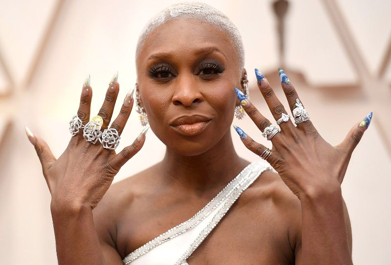Oscars 2020: The 10 Best Jewelry Pieces From The Red Carpet oscars 2020 Oscars 2020: The 10 Best Jewelry Pieces From The Red Carpet CYNTHIA ERIVO in piaget