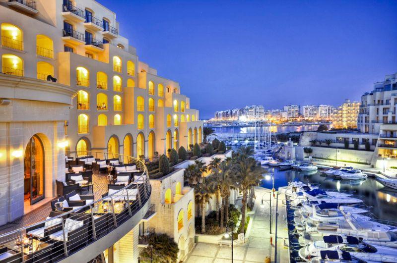 Where History Happens: The Five Finest And Luxury Hotels In Malta luxury hotels in malta Where History Happens: The Five Finest And Luxury Hotels In Malta Hilton Malta 1