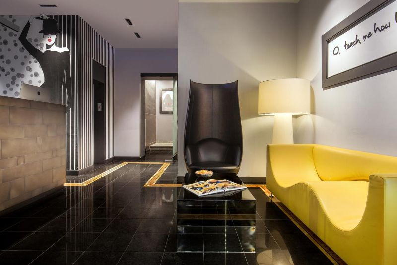 An Unquestionable Elegance Inside The 10 Best Design Hotels In Milan design hotels in milan An Unquestionable Elegance Inside The 10 Best Design Hotels In Milan MONTENAPOLEONE SUITES 2