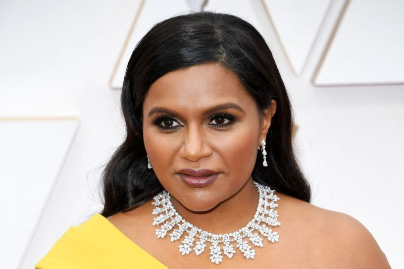 Oscars 2020: The 10 Best Jewelry Pieces From The Red Carpet oscars 2020 Oscars 2020: The 10 Best Jewelry Pieces From The Red Carpet Mindy Kaling in Chopard