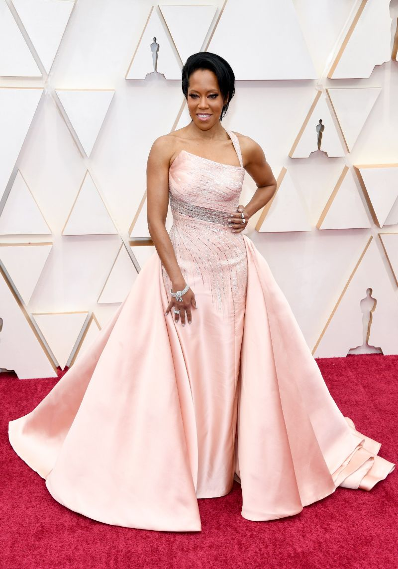 Oscars 2020: The 10 Best Jewelry Pieces From The Red Carpet oscars 2020 Oscars 2020: The 10 Best Jewelry Pieces From The Red Carpet Regina King in Harry Winston