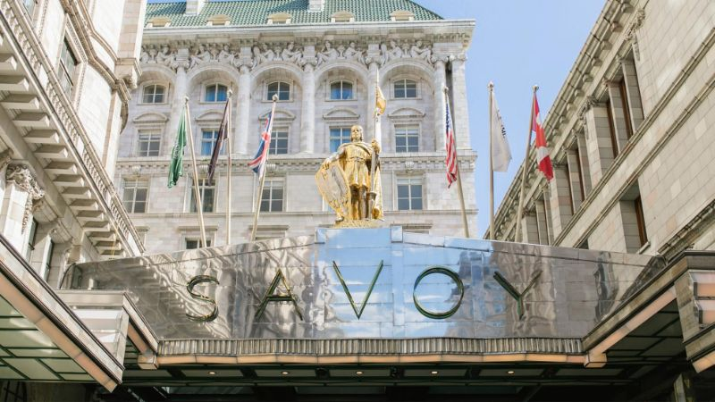 A World Of Sophistication Inside Savoy Luxury Hotel In London luxury hotel A World Of Sophistication Inside Savoy Luxury Hotel In London A World Of Sophistication Inside Savoy Luxury Hotel In London 11