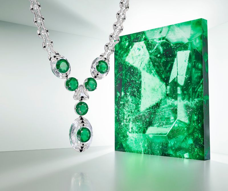 Magnitude Is The Cartier's Cosmic New High Jewelry Collection [object object] Cartier's Shows Exquisite Details In New Exclusive Jewellery Collection  H7000420 Cartier Magnitude Theia 3