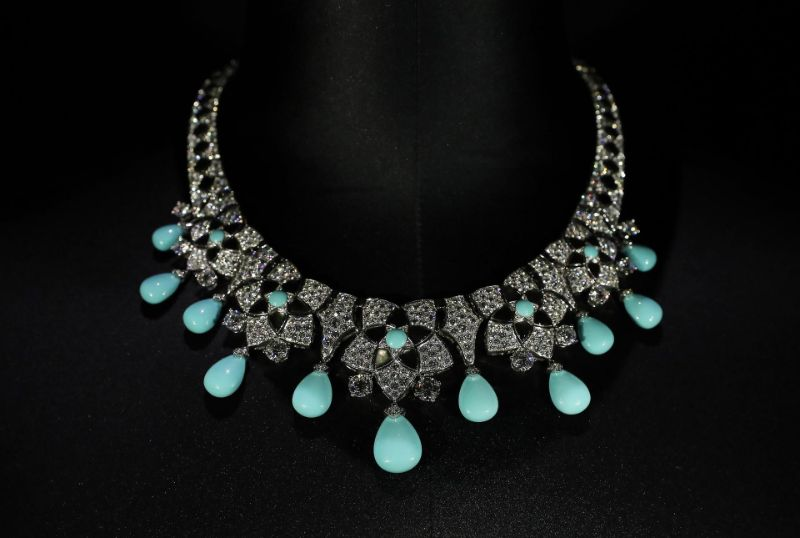 Honoring A Rich Heritage Of The UAE: Bulgari's New Jewelry Collection bulgari Honoring A Rich Heritage Of The UAE: Bulgari's New Jewelry Collection PS1102 LOUVRE BULGARI09