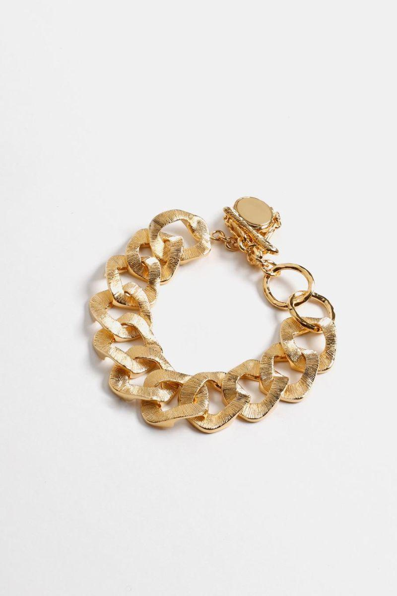 Fine Craftsmanship & Luxury Design: Unique Jewelry Pieces By Givenchy givenchy Fine Craftsmanship & Luxury Design: Unique Jewelry Pieces By Givenchy DOUBLE FACE BRACELET WITH TWISTED CHARM