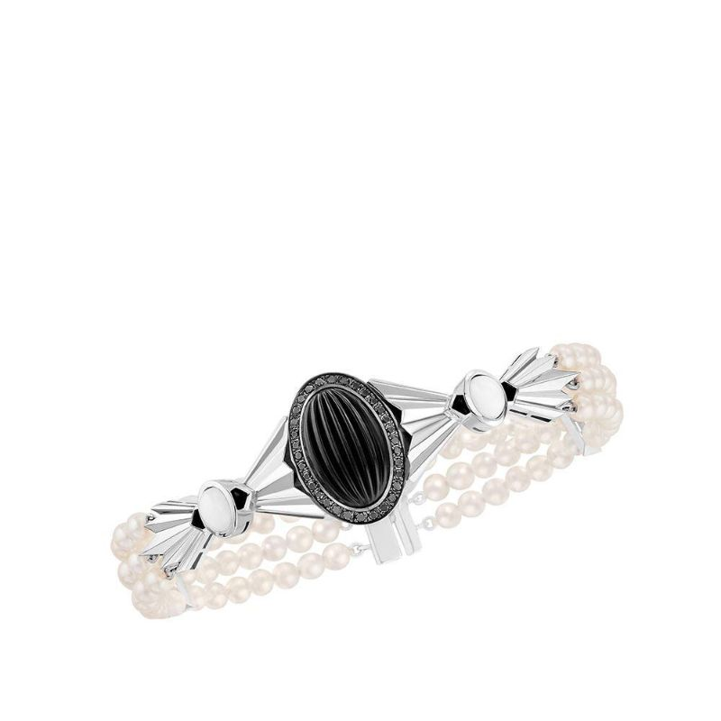 Glamour At Its Best: Lalique's Imposing Fine Jewelry Pieces For Women lalique Glamour At Its Best: Lalique's Imposing Fine Jewelry Pieces For Women LA FL  TE ENCHANT  E BRACELET