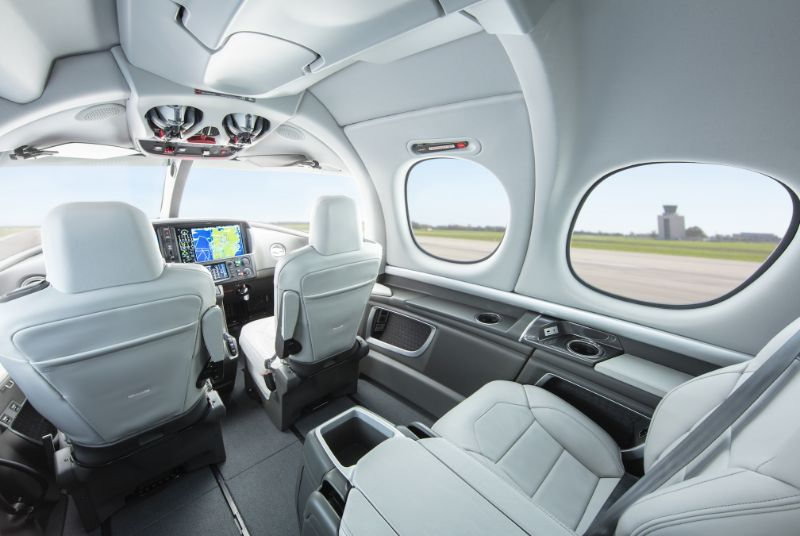 """The Supreme """"AIR DRAKE"""": A New Luxury Jet Designed By Virgil Abloh luxury jet The Supreme AIR DRAKE: A New Luxury Jet Designed By Virgil Abloh The    AIR DRAKE Get Amazed By Drakes New Luxury Jet 1"""