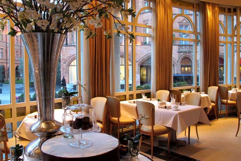 An Ode To Elegance In London: Inside The Connaught Luxury Hotel the connaught An Ode To Elegance In London: Inside The Connaught Luxury Hotel 4