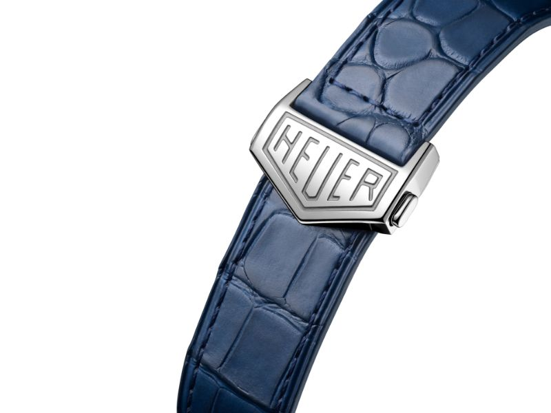 Carrying A Racing Heritage: The TAG Heuer's Carrera Montreal Watch tag heuer Carrying A Racing Heritage: The TAG Heuer's Carrera Montreal Watch Carrying A Racing Heritage The TAG Heuer   s Carrera Montreal Watch 7