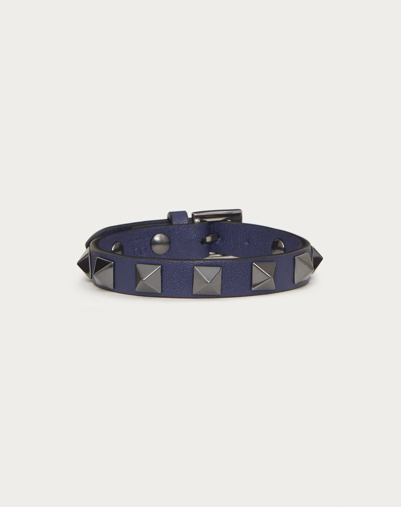 Symbols Of Cool Attitude: Valentino's Iconic Jewelry Pieces For Men valentino Symbols Of Cool Attitude: Valentino's Iconic Jewelry Pieces For Men ROCKSTUD LEATHER BRACELET WITH RUTHENIUM STUDS