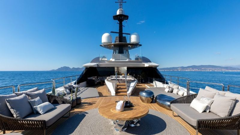 The Singular Solo Superyacht: The Future Of Sustainable Yacht Design superyacht The Singular Solo Superyacht: The Future Of Sustainable Yacht Design The Singular Solo Superyacht The Future Of Sustainable Yacht Design 5