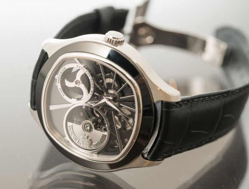 Discover 10 Luxury Timepieces With Unique And Marvelous Features timepieces Discover 10 Luxury Timepieces With Unique And Marvelous Features emperador coussin xl 700p piaget