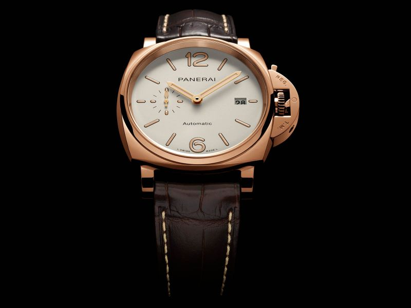 Discover 10 Luxury Timepieces With Unique And Marvelous Features timepieces Discover 10 Luxury Timepieces With Unique And Marvelous Features luminor due goldtech PAM 01041 by panerai