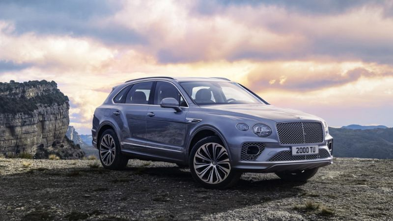 Get Impressed By The Opulent New 2021 Bentley Bentayga bentley Get Impressed By The Opulent New 2021 Bentley Bentayga 2021 Bentley Bentayga 3 pantone color of the year 2021's Pantone Color Of The Year Is Out: Not One But Two Hues! 2021 Bentley Bentayga 3