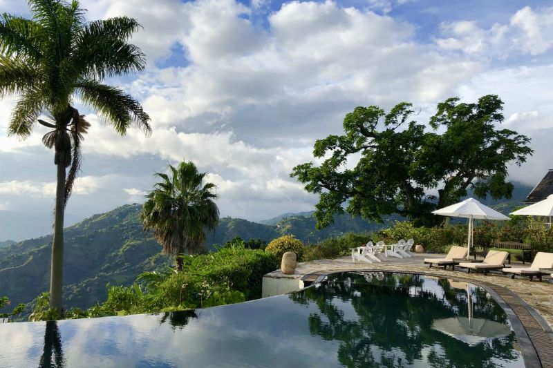 10 Caribbean Resorts For Your Luxurious Fall Getaways caribbean resort 10 Caribbean Resorts For Your Luxurious Fall Getaways Strawberry Hill Jamaica 2