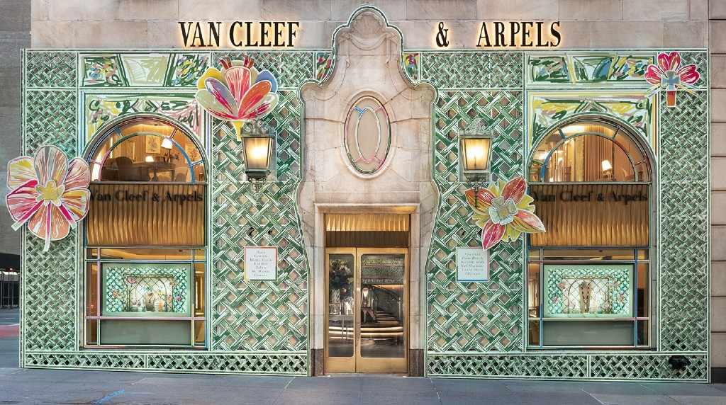 Van Cleef and Arpels Boutique Blooms Courtesy Of Alexandre Benjamin