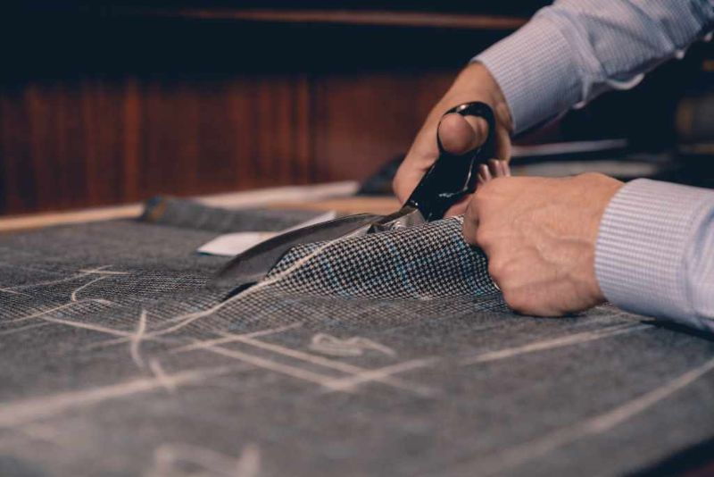 Range Rover and Henry Poole Team Up For Bespoke Sport Coat range rover Range Rover and Henry Poole Team Up For Bespoke Sport Coat Range Rover and Henry Poole Team Up For Bespoke Sport Coat 4