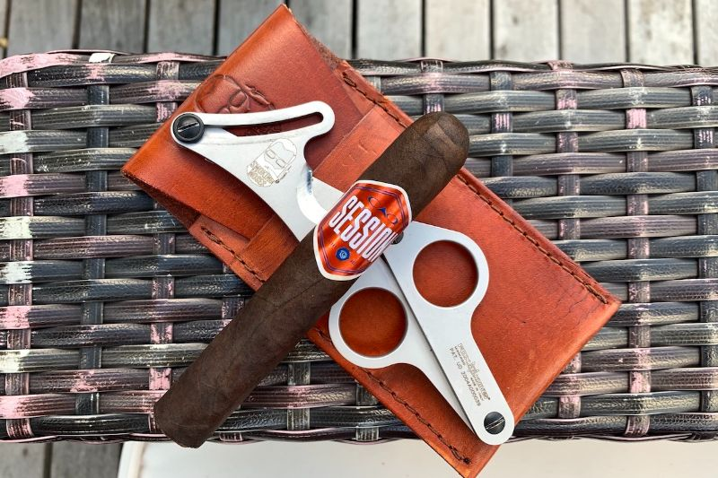The Best Luxury Gifts For The Cigar Smokers Of Your Life