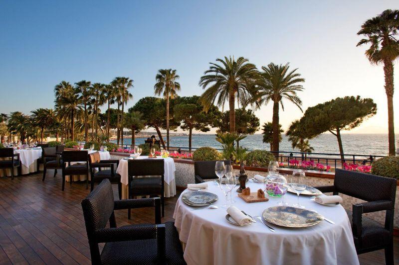 Top 5 Most Luxury Restaurants in Cannes luxury restaurant Top 5 Most Luxury Restaurants in Cannes DVhlK1uVAAANKwH