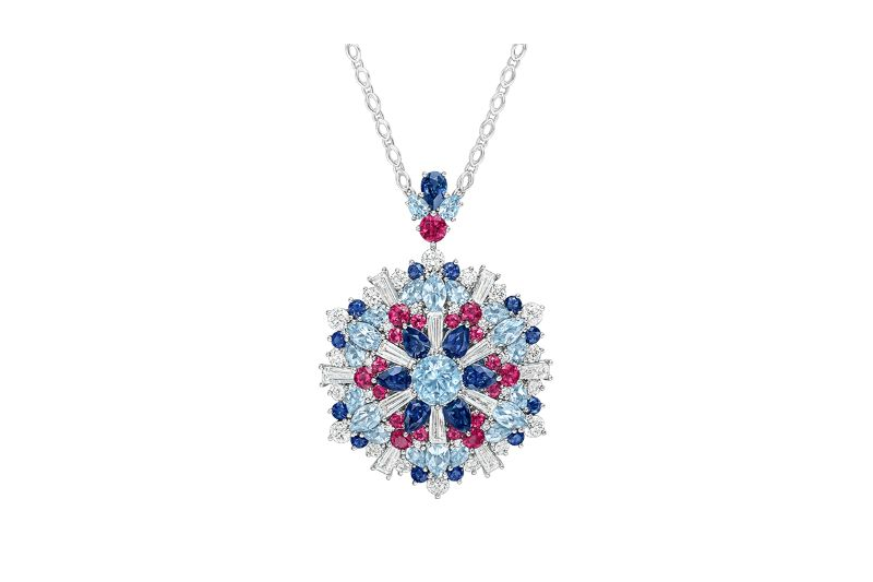 Luxury Jewellery Designs To Endulge In This Holiday Season jewellery design Luxury Jewellery Designs To Endulge In This Holiday Season Luxury Jewellery Designs To Endulge In This Holiday Season 9
