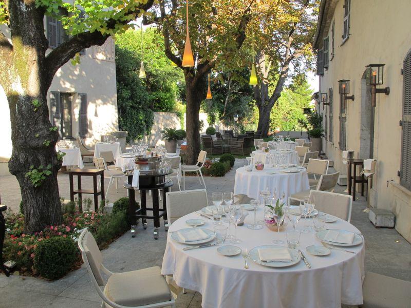 Top 5 Most Luxury Restaurants in Cannes luxury restaurant Top 5 Most Luxury Restaurants in Cannes Villa Archange