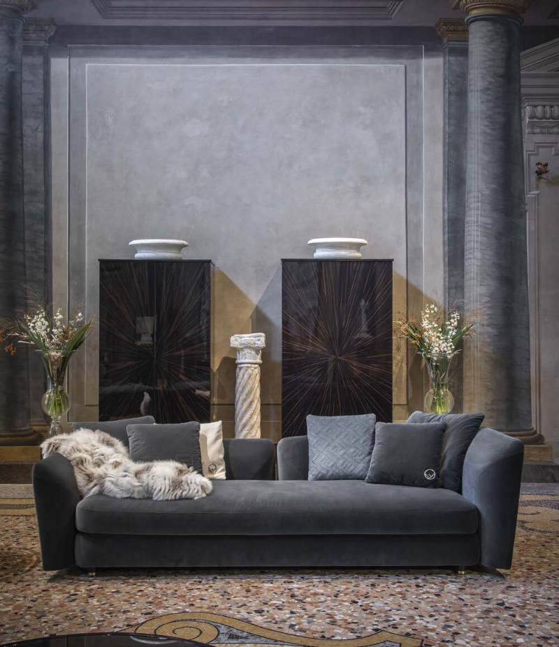 High-End and Expensive Furniture: 20 Luxury Sofas To Impress You luxury sofa High-End and Expensive Furniture: 20 Luxury Sofas To Impress You Ceasar4seatersofa 1