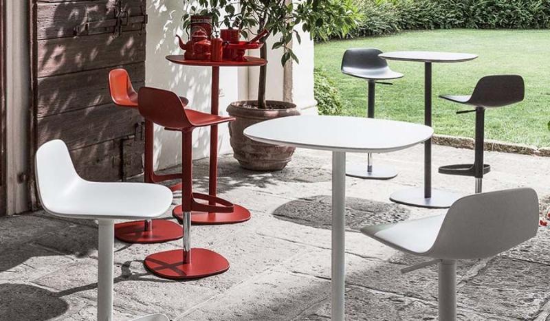 10 Luxury Bar Tables For Your Private Home Bar bar table 10 Luxury Bar Tables For Your Private Home Bar f12a63e49bcda32a2954634e9e2b69c8 1