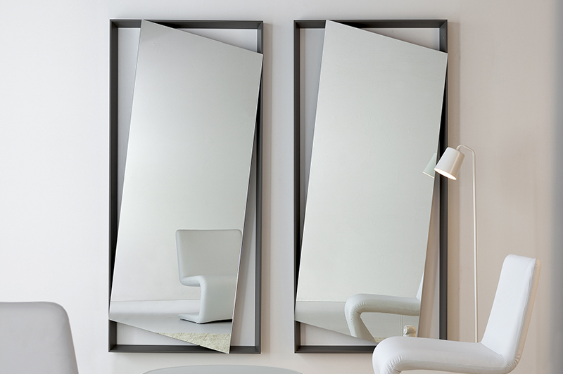 Discover The Most Impressive Luxury Mirrors luxury mirror Discover The Most Impressive Luxury Mirrors hangup 70918