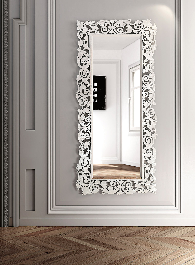 Discover The Most Impressive Luxury Mirrors luxury mirror Discover The Most Impressive Luxury Mirrors specchio romantico 2 1