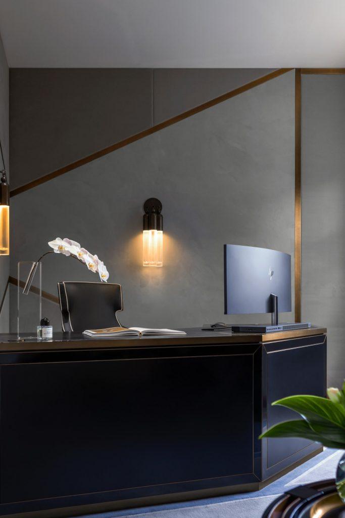 Blainey North - Luxury Interior Design Projects blainey north Blainey North – Luxury Interior Design Projects LAMOND PROJECTS Sweaty Betty 00107 V2 HR 1 e1529514560906 1920x2877 1 683x1024