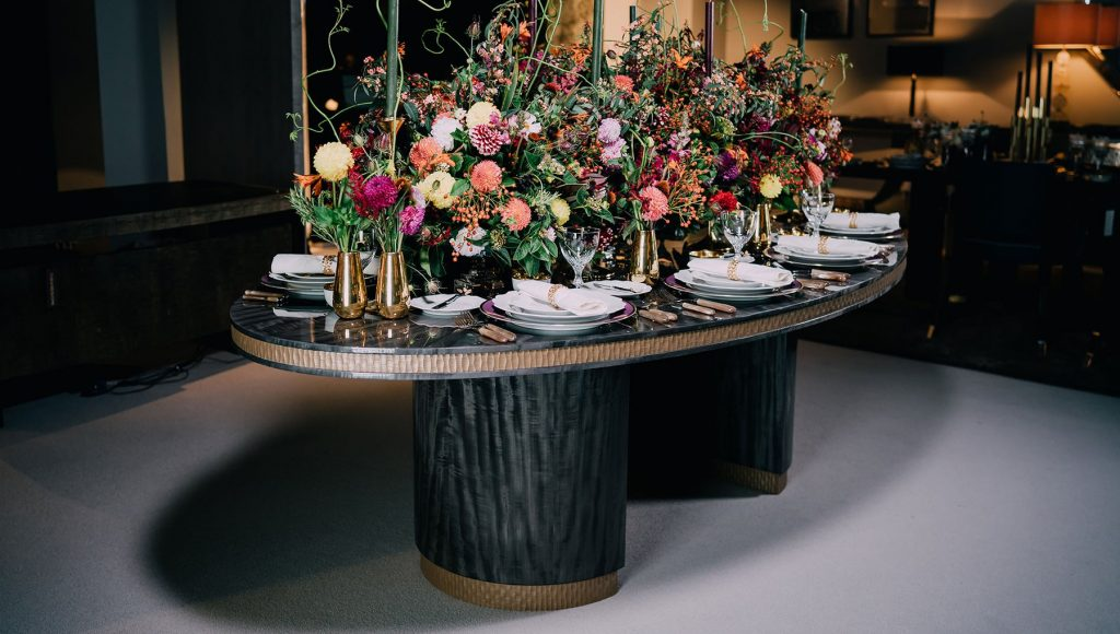 Luxury Tables For An Opulent Dining Room luxury table Luxury Tables For An Opulent Dining Room howes 1024x580