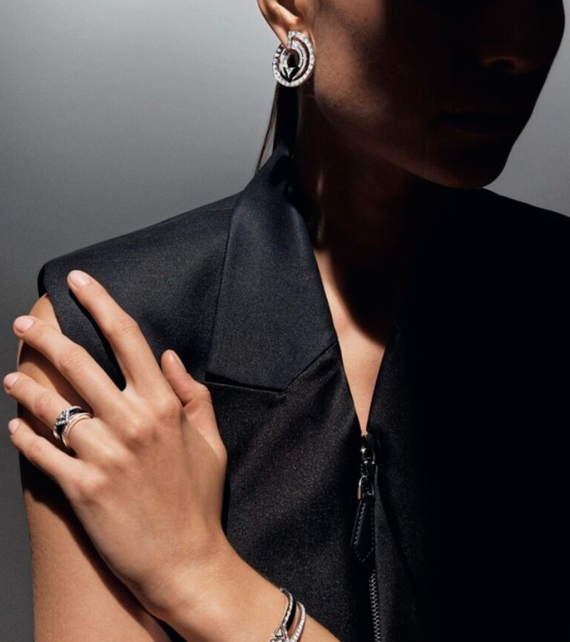 Glimpse The Louis Vuitton´s Timeless Jewellery Collection jewellery collection Glimpse Louis Vuitton´s Timeless Jewellery Collections BC e LS 37