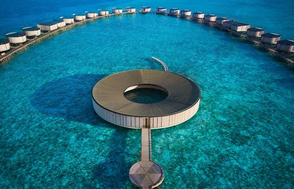 Modern Waterfront Luxury – Discover The Ritz-Carlton In The Maldives
